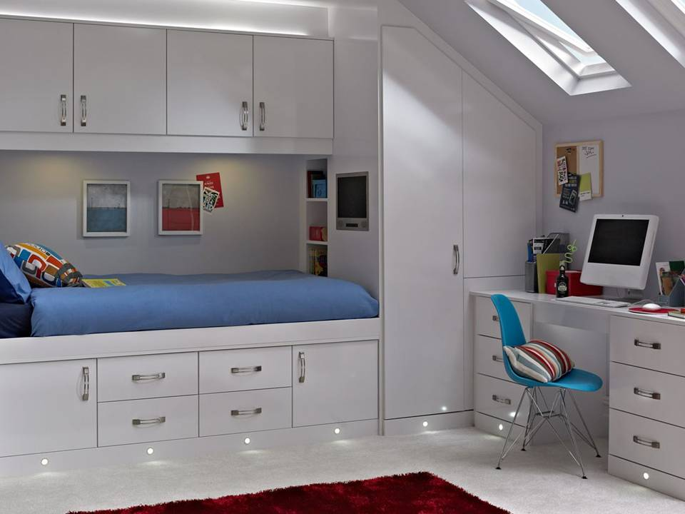 3 designa installations kitchens and bathrooms in for Fitted bedroom designs small rooms